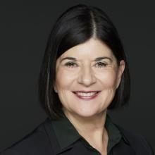 Vicki Phillips headshot photo